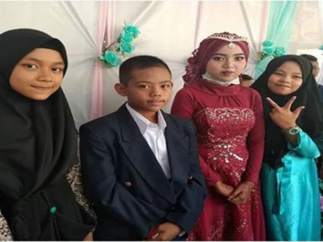 Đám cưới giữa chú rể 13 tuổi và cô dâu 14 tuổi với của hồi môn chỉ 160.000 đồng