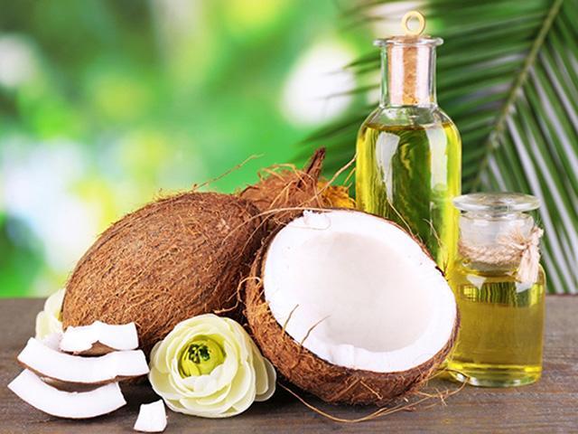 Cách làm dầu dừa dưỡng da, dưỡng tóc đơn giản cho nàng lười