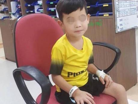 Bé trai bụng phình to như bầu vì bị táo bón 5 năm, nhìn phim chụp còn giật mình hơn