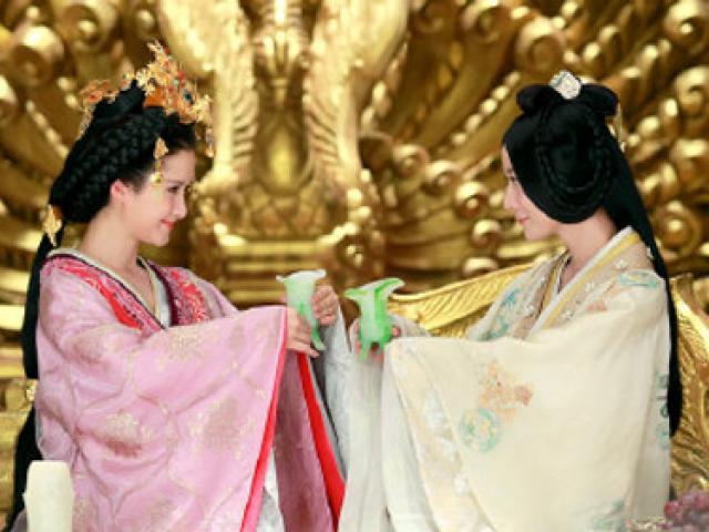 Hoàng hậu duy nhất bị phế truất vì mối tình đồng tính oan nghiệt chốn hậu cung