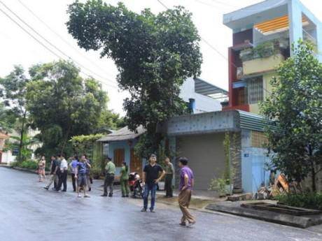 Cận cảnh khám nhà ông Vũ Trọng Lương trong vụ bê bối điểm thi Hà Giang