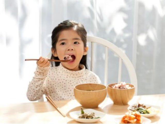 Trẻ bị tiêu chảy nên ăn gì là tốt nhất?