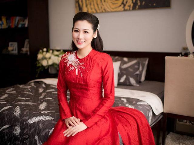 HOT: Cô dâu Tú Anh trang điểm tự nhiên, đẹp thuần khiết trong ngày về nhà chồng