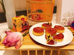 Bánh nướng nhân hoa quả nhiệt đới hứa hẹn sẽ là vị bánh hot nhất mùa Trung thu 2018