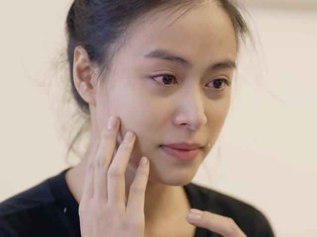 Trở lại phim giờ vàng VTV bằng... phẫu thuật thẩm mỹ, Hoàng Thùy Linh khiến khán giả điên đảo