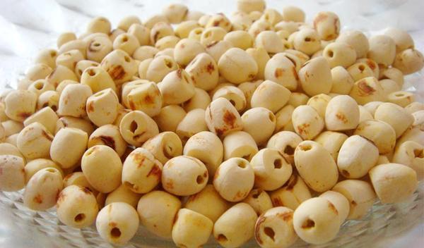 Cách nấu chè hạt sen khô thơm ngon, bổ dưỡng cho cả nhà - 1