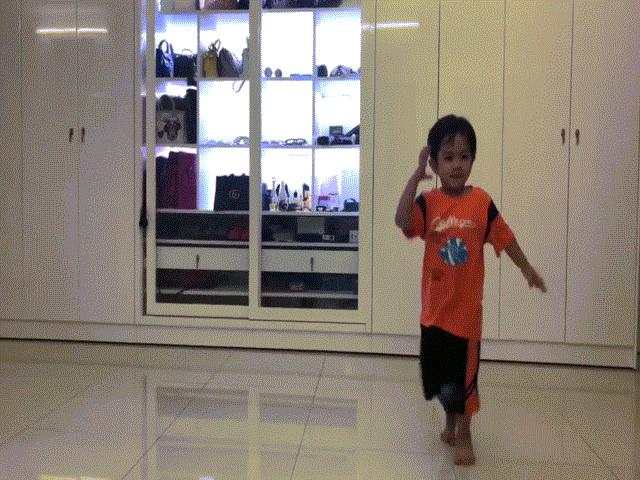 Con trai Khánh Thi - Phan Hiển mới 3 tuổi đã thành truyền nhân của bố mẹ