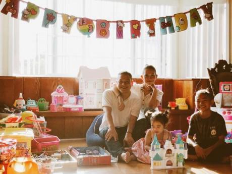 Sao Việt 24h: Kim Hiền khoe ảnh hạnh phúc bên chồng con và nói về tháng 7 định mệnh