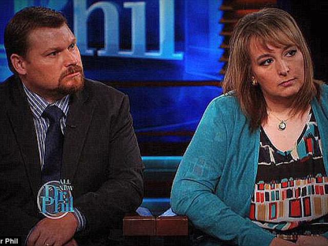 Bố mẹ lên truyền hình khóc tìm con nuôi mất tích, 3 năm sau sự thật phơi bày gây sốc