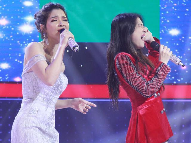 Hòa Minzy chịu đựng khi phải hát cạnh cô gái xinh nhưng có giọng hát không thể yêu thương nổi