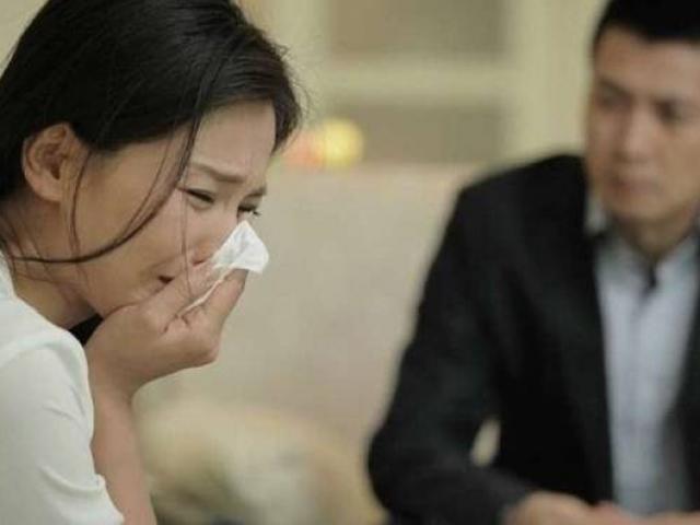 Nghi ngờ chồng ngoại tình, vợ thuê thám tử theo dõi phát hiện sự thật không ngờ
