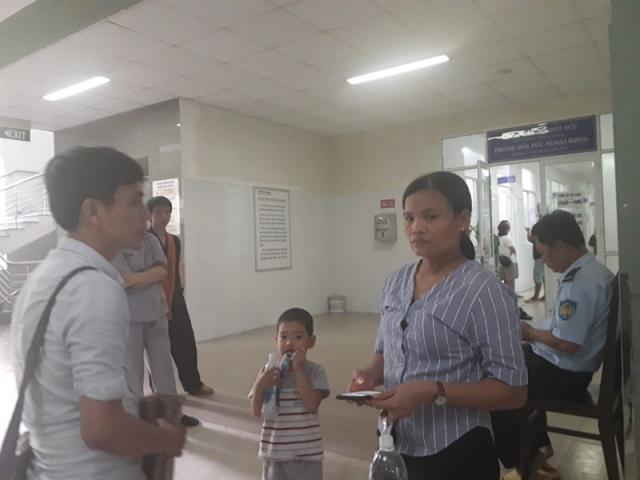 Vụ tai nạn khiến 13 người tử vong ở Quảng Nam: Ba mẹ con đâu, ai ở lại với con…?