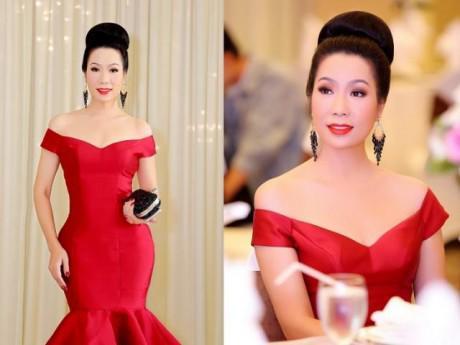 """Vì """"tấm gương tày liếp"""" Hari Won, NSƯT Trịnh Kim Chi ăn tiệc như lần đầu ra mắt mẹ chồng"""
