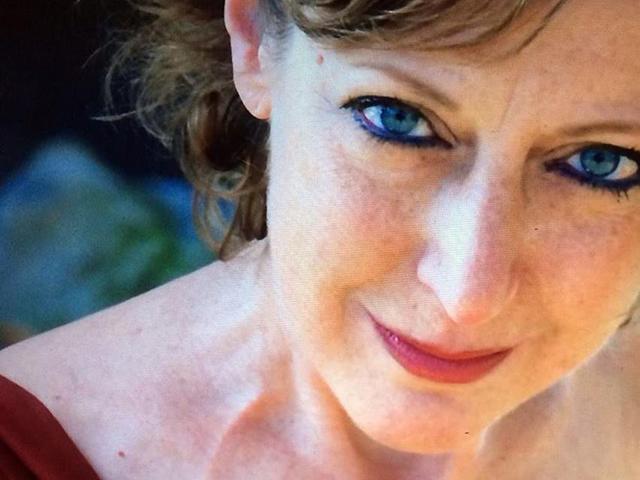 Nữ họa sĩ 3 lần đối mặt với ung thư vẫn mạnh mẽ nuôi dưỡng giấc mơ