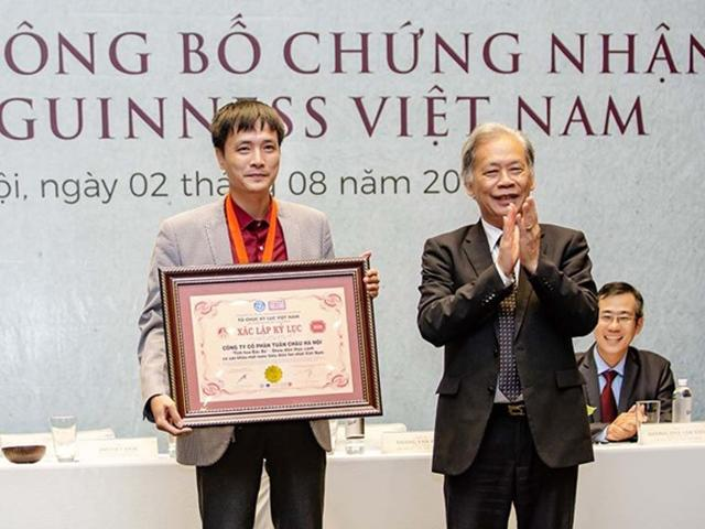 Vở diễn thực cảnh Tinh hoa Bắc bộ một lúc nhận 2 chứng nhận Guinness Việt Nam