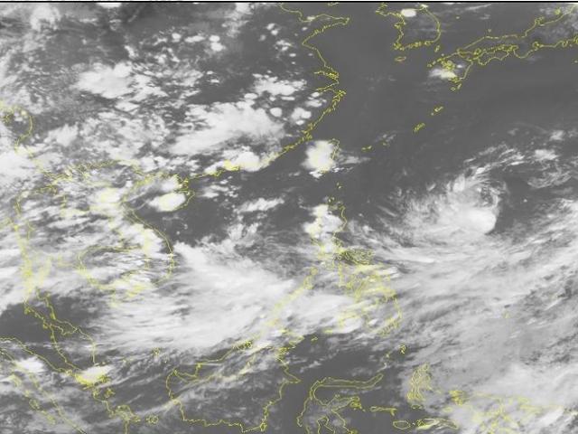 Mưa lũ lớn chưa dứt, biển Đông lại xuất hiện áp thấp nhiệt đới và có khả năng mạnh thêm