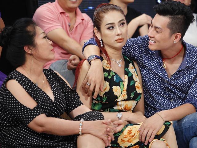 Mẹ chồng nàng dâu nhà Lâm Khánh Chi được khen, còn nhà Tú Vi bị chê không ấn tượng?