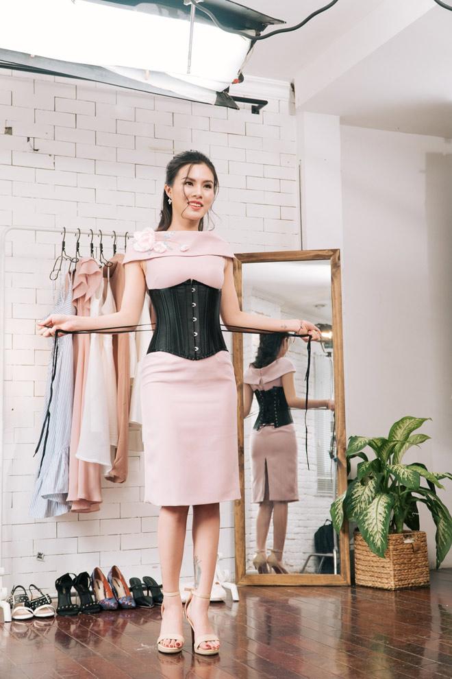 di tim chiec corset chuan giup phai dep so huu vong eo con kien - 2