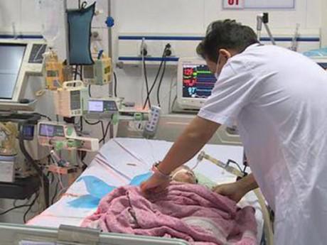 Diễn biến mới nhất vụ bé 8 tháng tuổi tử vong do tiêm nhầm thuốc ở Hà Nội
