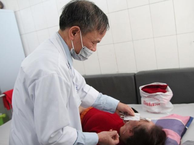 Nằm điều hòa quá lạnh, cô gái trẻ bị méo mồm, liệt mặt phải nhập viện điều trị