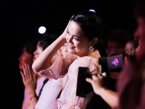 Gái hai con Phạm Quỳnh Anh tái xuất xinh đẹp, gây tò mò tại Gương mặt thân quen