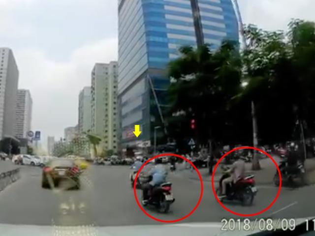 Dàn cảnh cướp không thành, kẻ gian thẳng tay tát cô gái giữa ngã tư ở Hà Nội