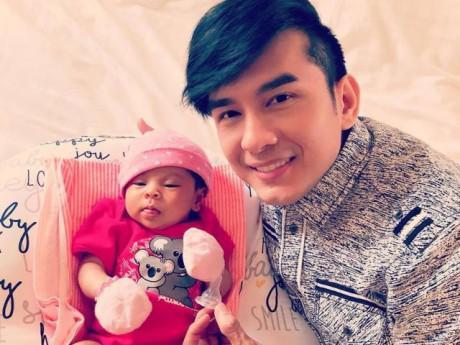 Đan Trường đến thăm con gái Thanh Thảo, ảnh chụp lộ ra điều đặc biệt