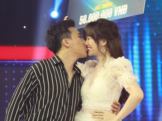Hari Won thắng giải thưởng 50 triệu đồng trên truyền hình, được ông xã hôn âu yếm chúc mừng