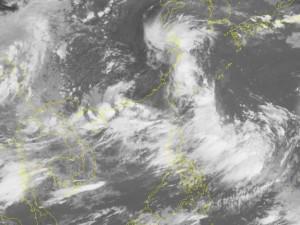 Áp thấp nhiệt đới di chuyển dị thường, gây mưa lớn ở miền Bắc từ tối mai