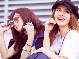 """Chị em Yến Trang - Yến Nhi khoe đường cong """"bỏng mắt"""" trong phòng tập gym"""