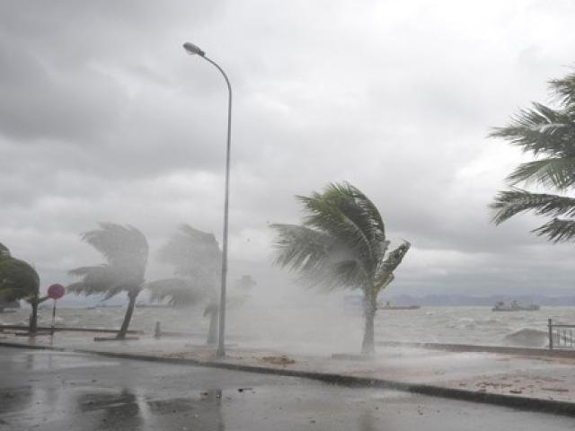 Cơn bão số 4 giật cấp 10 hình thành trên Biển Đông, miền Bắc sắp đón mưa lớn