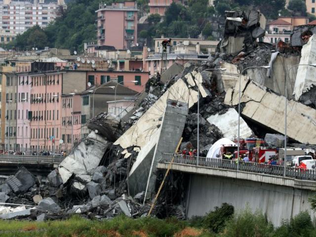Cảnh sập cầu cao tốc như tận thế khiến hàng chục người thiệt mạng