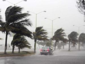 Cập nhật bão số 4: Di chuyển phức tạp và bắt đầu mạnh lên, nhắm vào Hải Phòng-Thanh Hóa