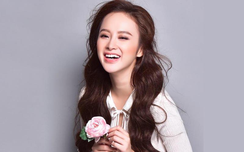 Trước đây Angela Phương Trinh được biết đến với khả năng diễn xuất thiên bẩm.