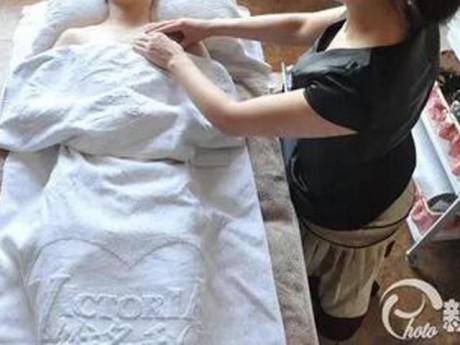 Mẹ một con suýt cắt bỏ ngực vì đi massage, bộ phận này không thể tuỳ tiện động tới