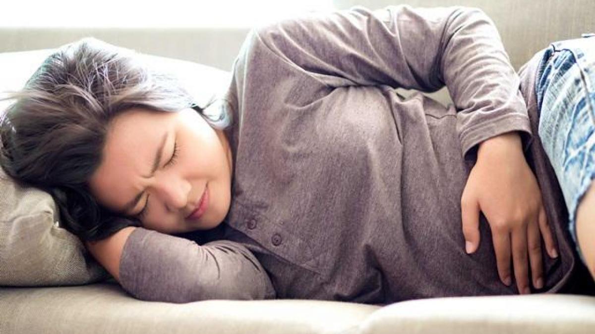 Đau bụng khi mang thai tháng thứ 2 là vì sao, khắc phục thế nào?