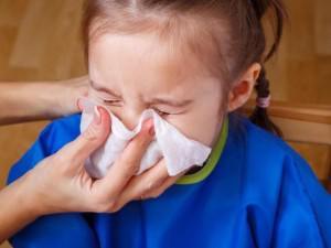 2 cách trị dứt ho, cảm, sổ mũi ở trẻ nhỏ ngay lập tức chỉ bằng một củ hành tây