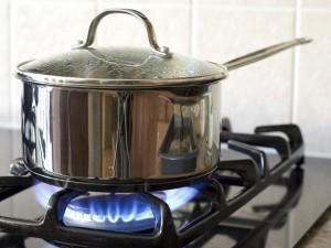 5 sai lầm dễ gây cháy nổ khi dùng bếp gas, điều thứ 3 hầu như nhà nào cũng mắc!