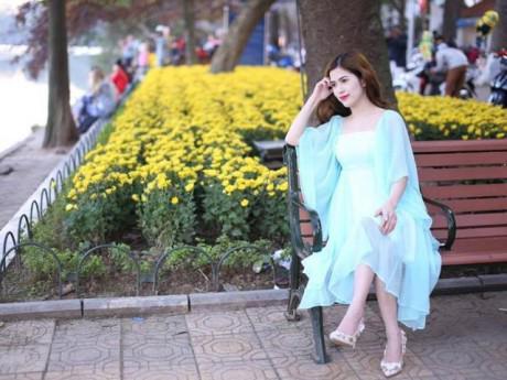 """Sao Việt 24h: Bà xã Việt Anh khuyên chị em """"đừng chôn vùi thanh xuân vào cái xó bếp"""""""