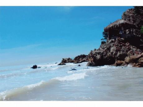 Bãi đá tuyệt đẹp ở ngay Thanh Hóa: Tựa thiên đường bình yên, hoang sơ ít người biết
