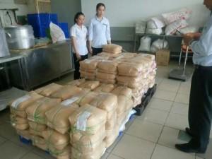 Cơm tấm Kiều Giang nổi tiếng ở TP.HCM nói gì về nguyên liệu lạ?