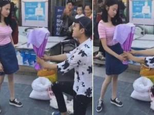 Cầu hôn bạn gái bằng cóc ghẻ, chàng trai nhận cái kết đắng