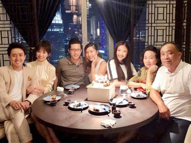 Sao Việt 24h: Vợ chồng Trấn Thành khoe ảnh cả gia đình đẹp đều trong sinh nhật bố
