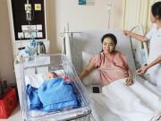 """Thai phụ 37,5 tuần nhập viện, bác sĩ  """" cân não """"  vừa mổ ruột thừa vừa cứu thai"""