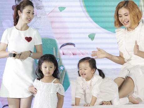Vân Trang và Jennifer Phạm cùng khoe công chúa nhỏ đáng yêu của gia đình