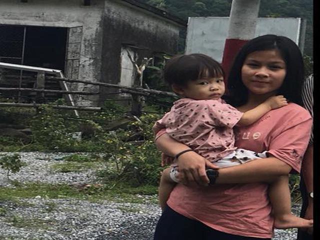Người mẹ trẻ ròng rã tìm con 2,5 tuổi mất tích bí ẩn: Tôi tin con vẫn còn sống