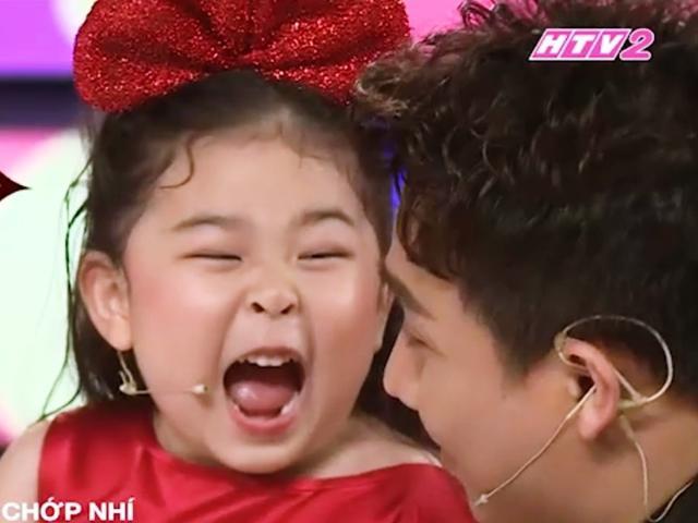 Choáng trước cô bé 5 tuổi cực gắt khiến Trấn Thành sợ xanh mặt