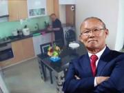 """Lần đầu tiết lộ """"nơi ăn chốn ở"""" giản dị không ngờ của HLV Park Hang Seo tại Việt Nam"""