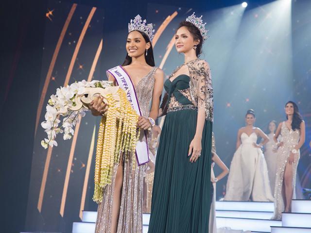 Ngồi ghế giám khảo Hoa hậu Chuyển giới Thái Lan, Hương Giang đẹp lấn át tân Hoa hậu