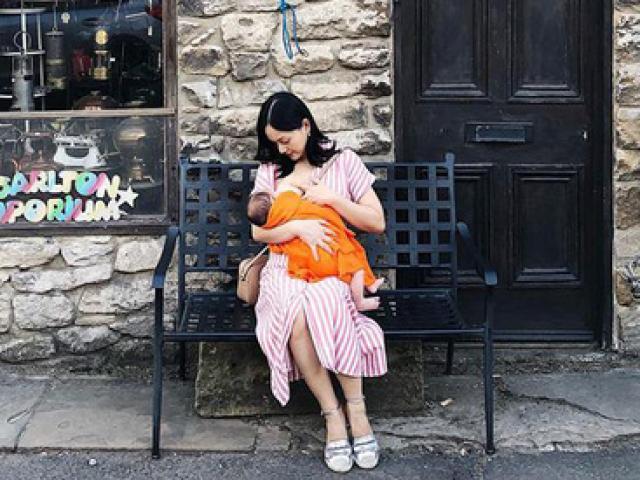 Mẹ bỉm sữa đồng cảm khi Lan Phương chẳng ngại vạch áo cho con bú mọi lúc, mọi nơi